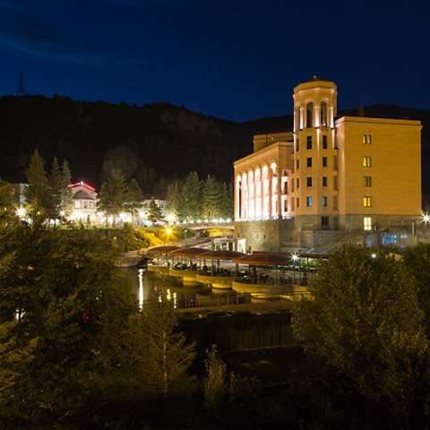 Hyatt Place, Jermuk By Night