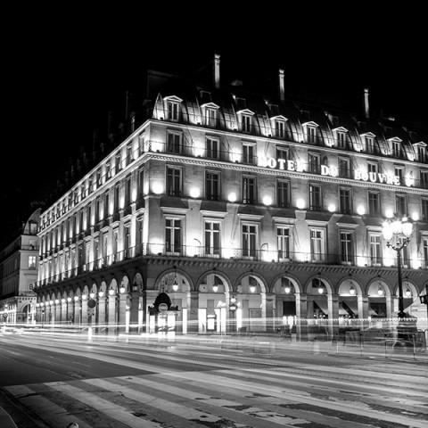 Paris By Night Hotel De Louvre